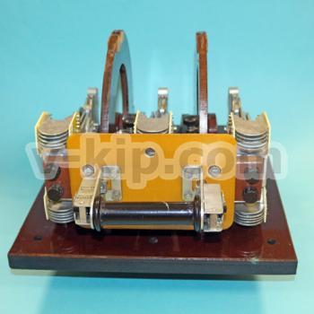 Переключатель П1116 с дугогасительными контактами вид спереди